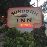 Sundown Inn logo
