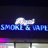 Royal Smoke And Vape logo