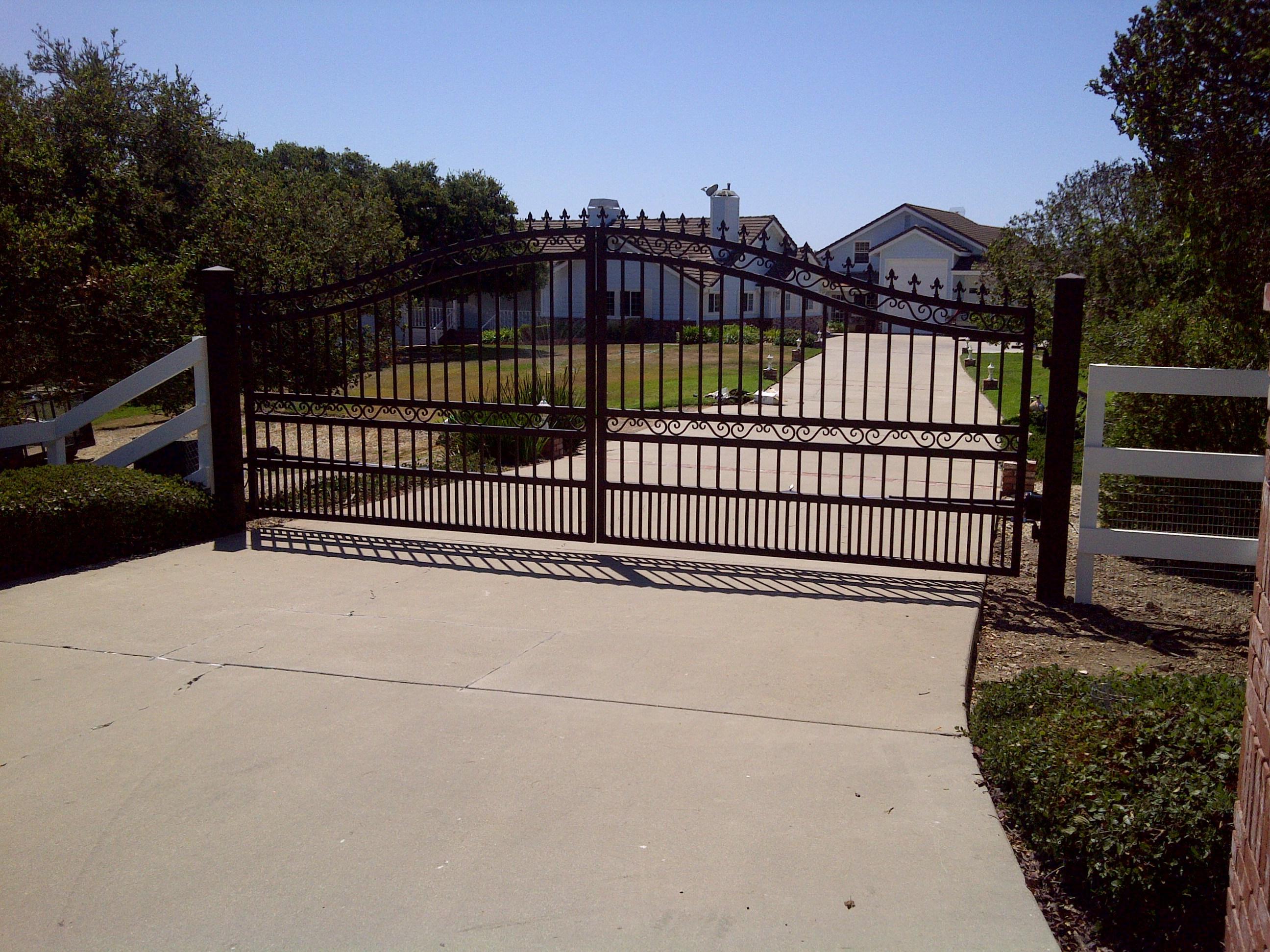 shaver security gates logo